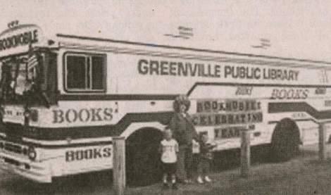 bookmobile-80s-black-and-white